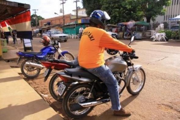 SIMÃO DIAS: DEPARTAMENTO MUNICIPAL DE TRÂNSITO VAI COIBIR MOTOTÁXIS ILEGAIS