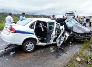ACIDENTE NA BR-101 DEIXA OITO MORTOS E TRÊS FERIDOS NA BAHIA