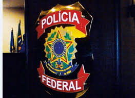 POLÍCIA FEDERAL RECOLHE DOCUMENTOS EM SIMÃO DIAS