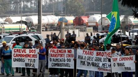 CAMINHONEIROS FECHAM ACORDO E SUSPENDEM PROTESTOS POR 15 DIAS