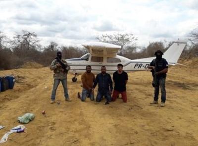 BAHIA: AVIÃO É APREENDIDO E 3 SÃO PRESOS POR TRANSPORTE INTERESTADUAL DE DROGAS