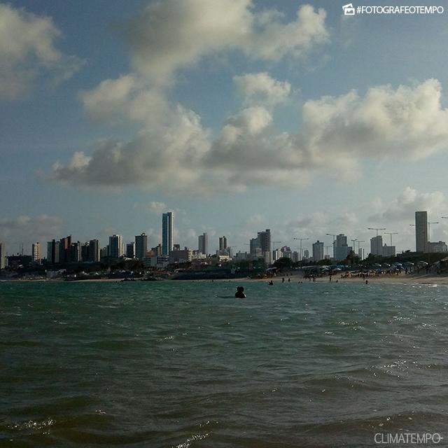 TEMPO: CEARÁ E RIO GRANDE DO NORTE COM CHUVA; ALAGOAS, BAHIA E SERGIPE COM SOL E CALOR