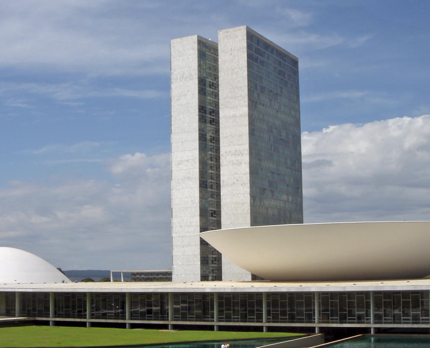 BRASIL: GOVERNADORES SE REÚNEM NESTA QUARTA