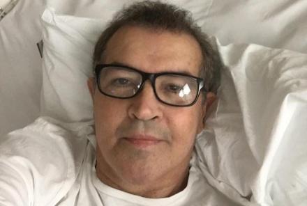 "CÂNCER: CANTOR BETO BARBOSA DIZ ESTAR ""100% CURADO"""