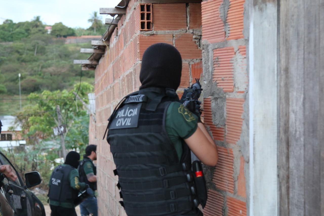 SIMÃO DIAS: OPERAÇÃO DA POLÍCIA CIVIL PRENDE SUSPEITOS DE LATROCÍNIO