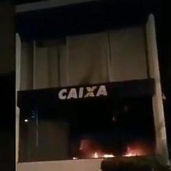 SERGIPE: INCÊNDIO ATINGE UMA AGÊNCIA DA CAIXA ECONÔMICA
