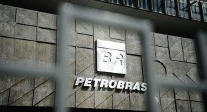 BRASIL: PETROBRAS REAJUSTA PREÇOS DO DIESEL E DO GÁS DE COZINHA