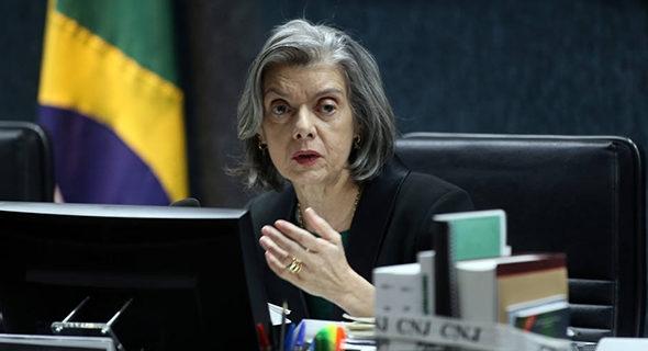 SINDICATO: MINISTRA SUSPENDE DECISÃO QUE PERMITIA DESCONTO DE CONTRIBUIÇÃO SEM MANIFESTAÇÃO DO EMPREGADO