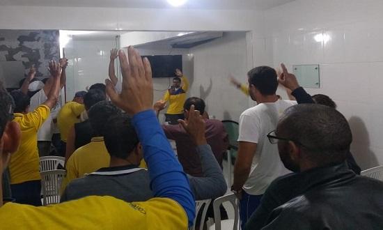 CORREIOS: FUNCIONÁRIOS DECIDEM ADIAR A GREVE E MANTER AS NEGOCIAÇÕES