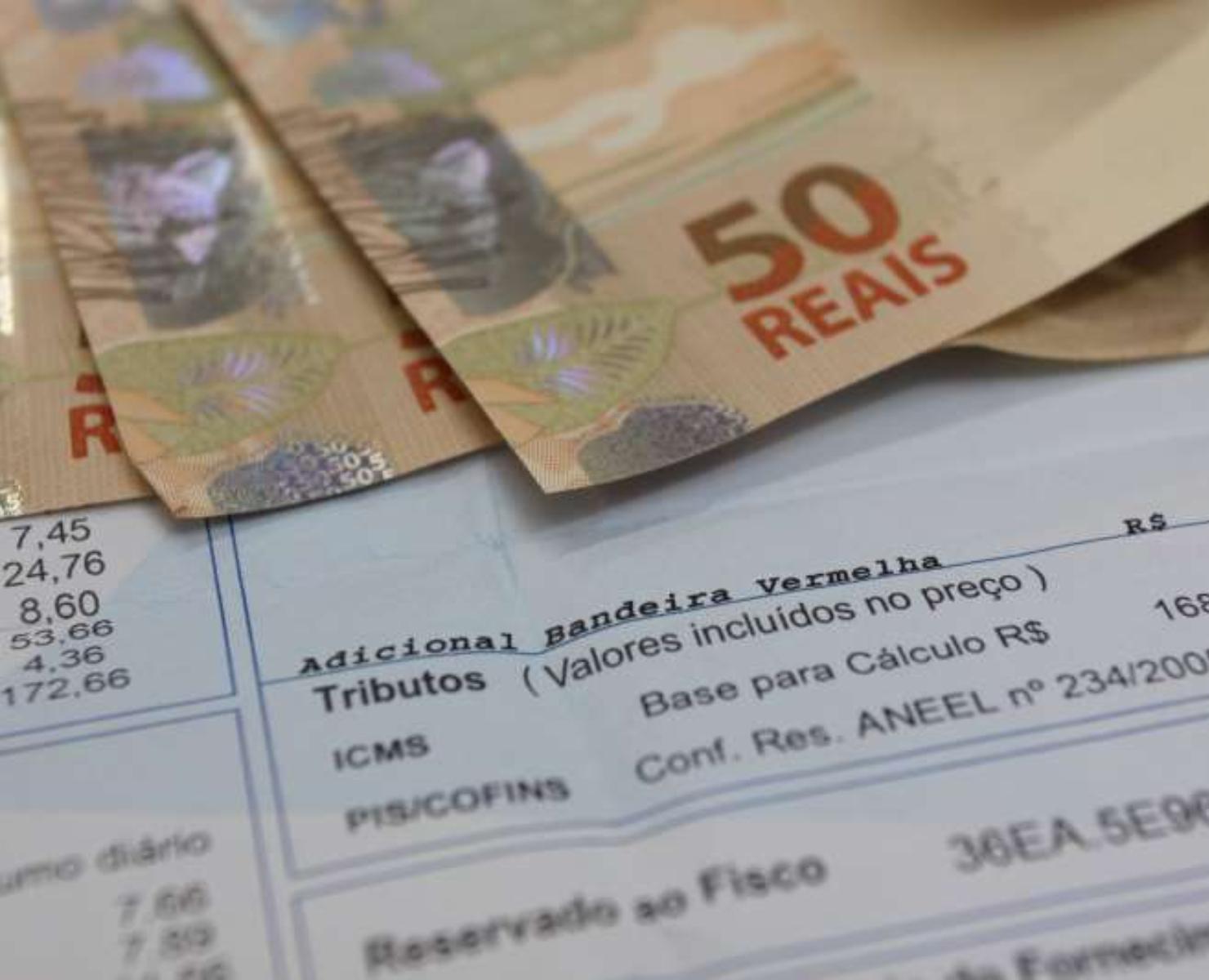 LUZ: ERRO NA CONTA PODE RENDER MULTA DE R$ 10 MIL