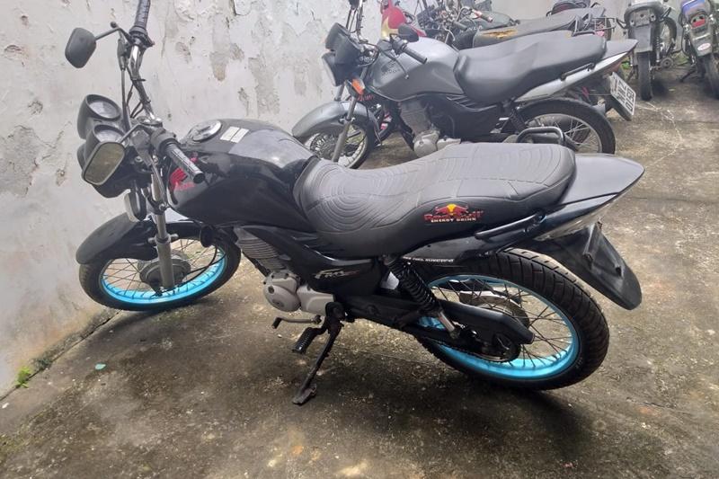 LAGARTO: POLÍCIA MILITAR APREENDE MOTOCICLETA COM CHASSI ADULTERADO