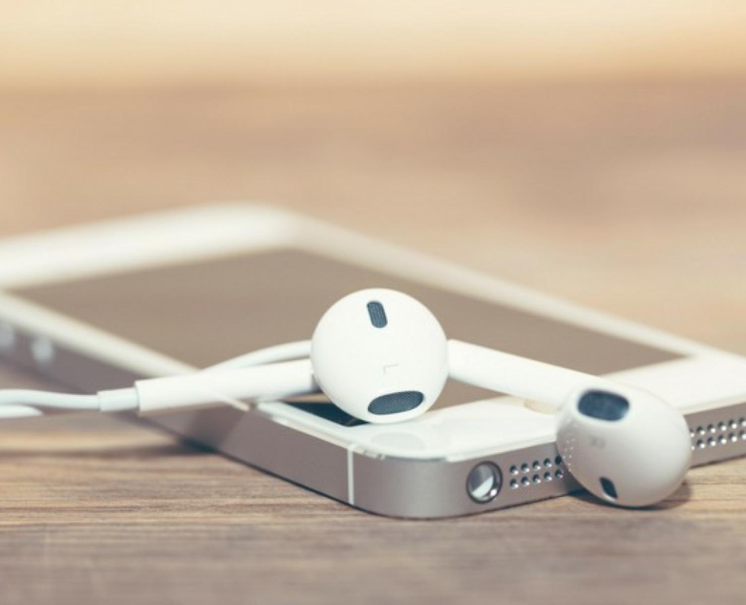 TECNOLOGIA: CELULARES PODERÃO VOLTAR A TER CHIP PARA CAPTAR RÁDIO FM