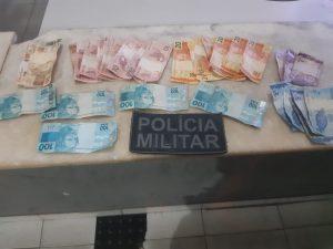 """LAGARTO: DUPLA É PRESSA """"PASSANDO"""" NOTAS FALSAS DE R$ 100"""