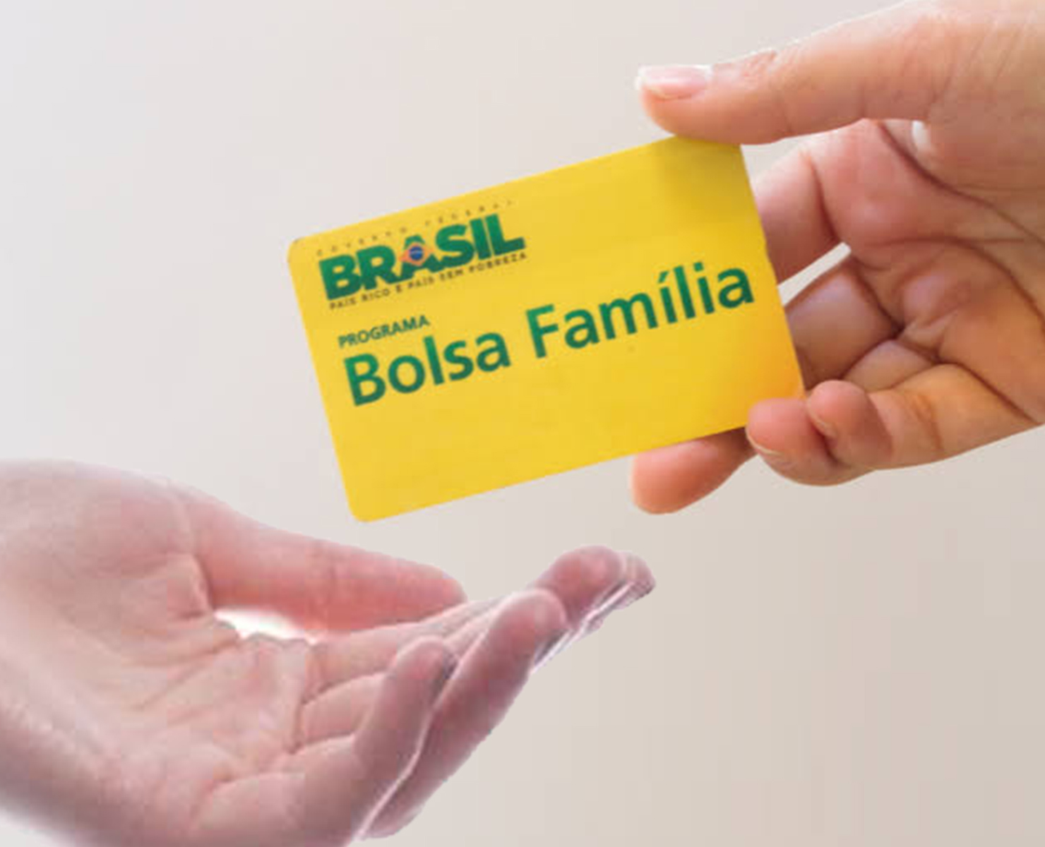 BOLSA FAMÍLIA: QUASE 500 MIL PESSOAS ESTÃO NA FILA DE ESPERA
