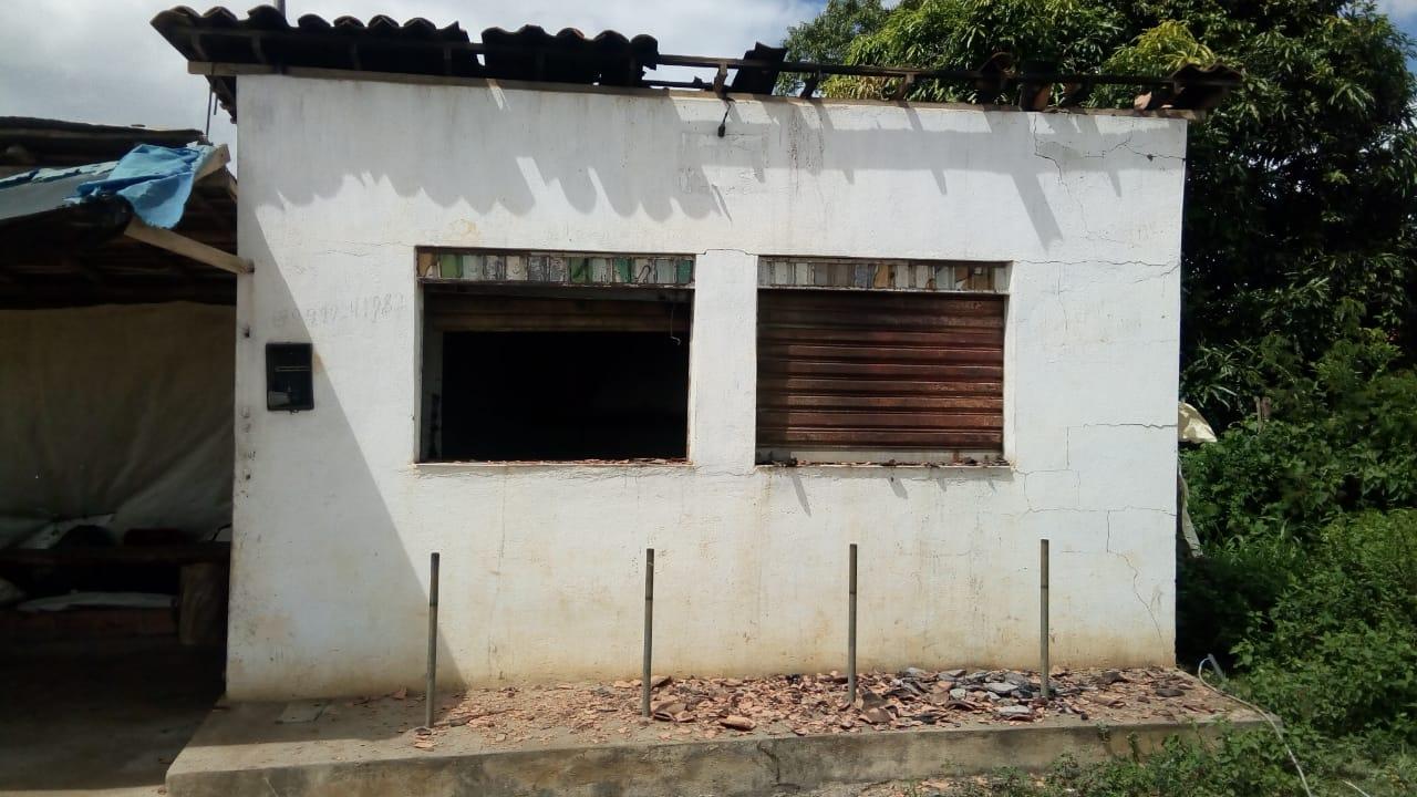 SIMÃO DIAS: SUPOSTO INCÊNDIO CRIMINOSO DEIXA RASTRO DE DESTRUIÇÃO E PREJUÍZO