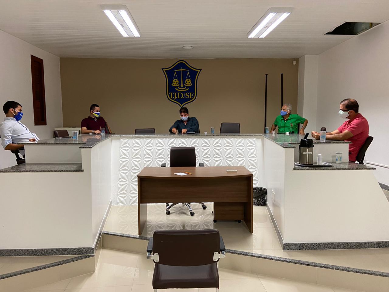 FUTEBOL: FEDERAÇÃO SERGIPANA E CLUBES DO QUADRANGULAR DEBATEM POSSIBILIDADE DA RETOMADA DO CAMPEONATO SERGIPANO
