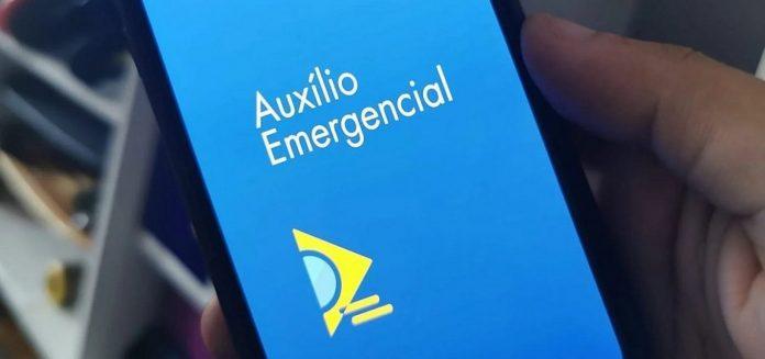 AUXÍLIO EMERGENCIAL: BOLSONARO ANUNCIA MAIS 4 PARCELAS DE R$ 300