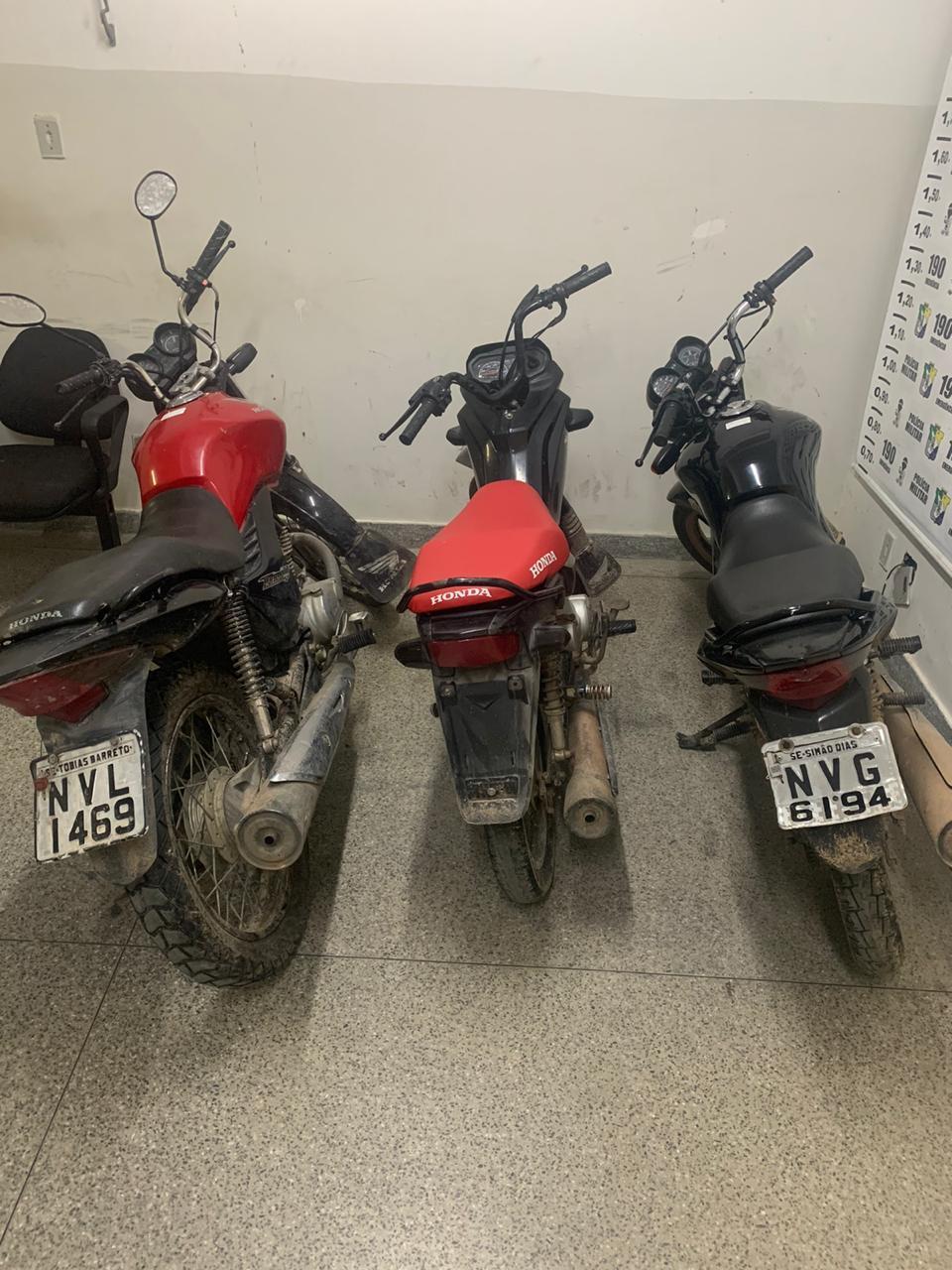 SIMÃO DIAS: POLÍCIA CIVIL RECUPERA TRÊS MOTOS ROUBADAS