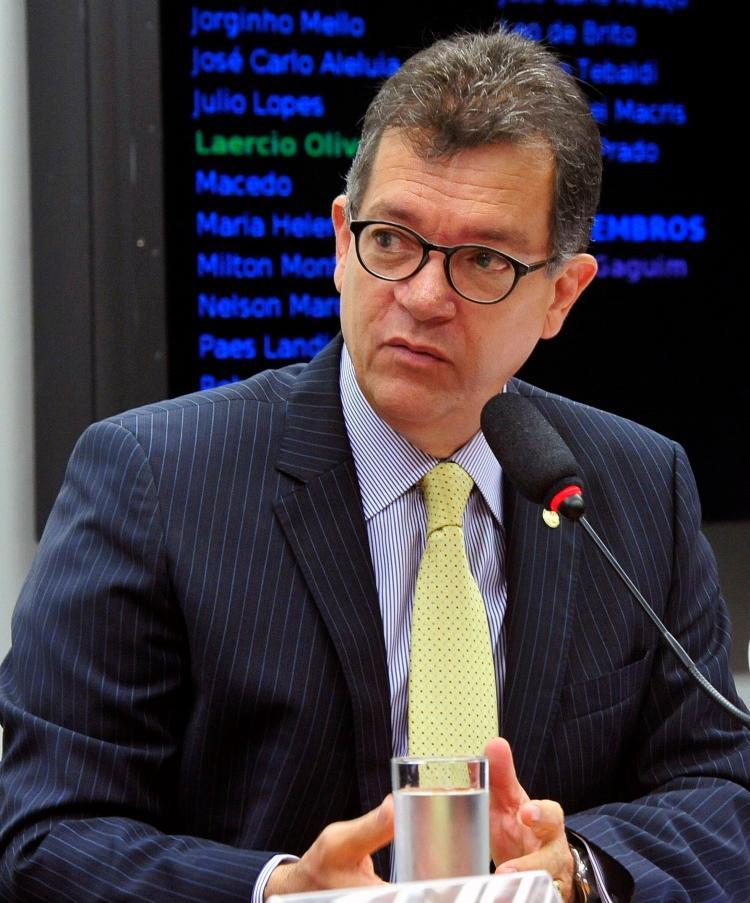 LAÉRCIO OLIVEIRA: EMPRESA DO DEPUTADO RECEBE MAIS DE R$ 20 MILHÕES EM CONTRATOS SEM LICITAÇÕES