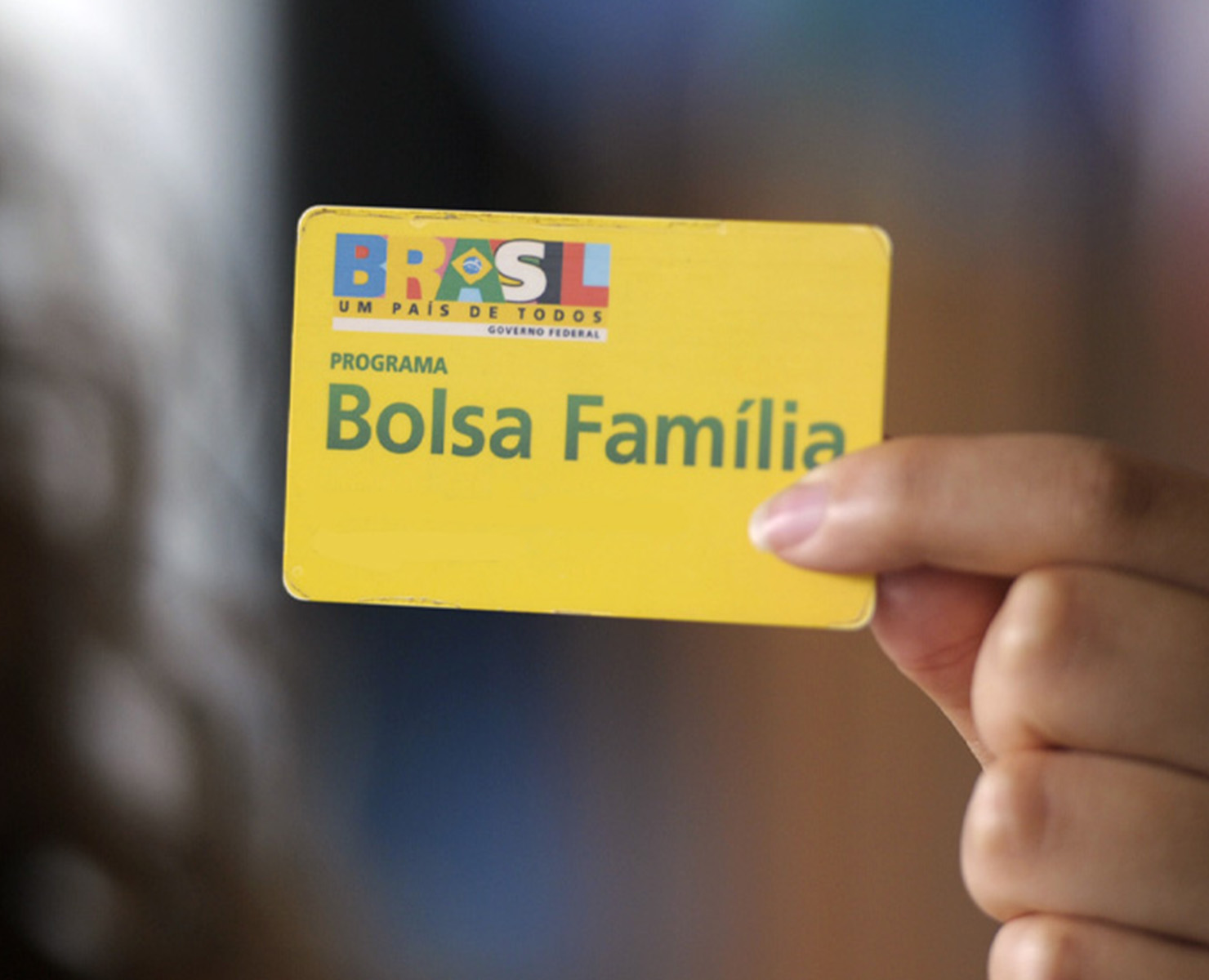 BOLSA FAMÍLIA: BENEFÍCIO IGNORA 3,7 MILHÕES DE FAMÍLIAS QUE VIVEM NA POBREZA